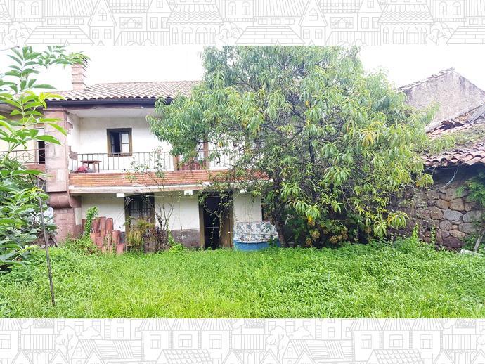 Foto 2 de Casa adosada en Calle La Concepción 9 / Los Corrales de Buelna