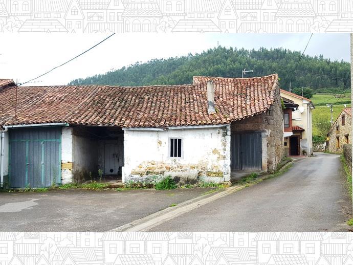 Foto 5 de Casa adosada en Calle La Concepción 9 / Los Corrales de Buelna