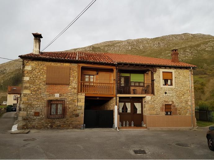 Foto 1 de Chalet en Calle Sovilla 77 / San Felices de Buelna