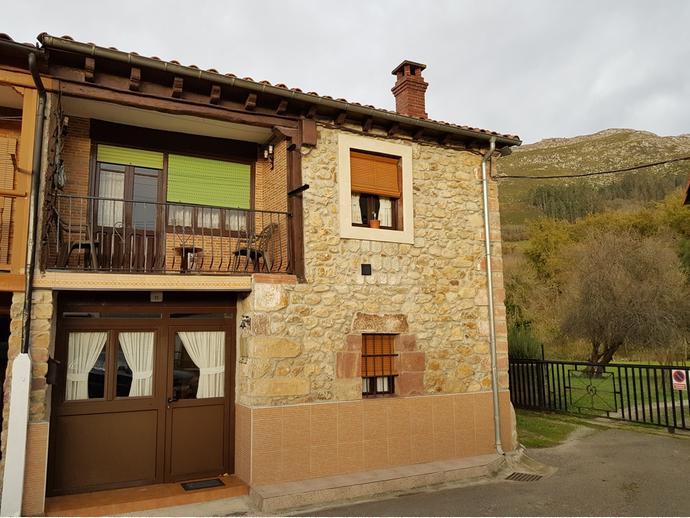 Foto 2 de Chalet en Calle Sovilla 77 / San Felices de Buelna