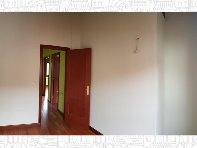 Foto 16 de Casa adosada en Calle Sovilla 41 / San Felices de Buelna