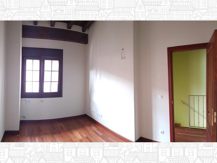 Foto 18 de Casa adosada en Calle Sovilla 41 / San Felices de Buelna