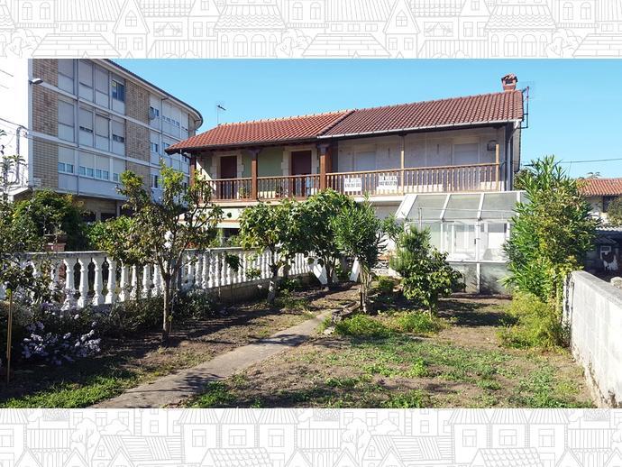 Foto 1 de Casa adosada en Calle Almirante Pero Niño 12 / Los Corrales de Buelna