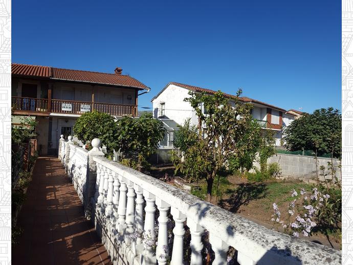 Foto 2 de Casa adosada en Calle Almirante Pero Niño 12 / Los Corrales de Buelna