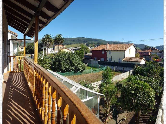 Foto 14 de Casa adosada en Calle Almirante Pero Niño 12 / Los Corrales de Buelna