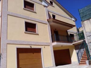 Casa adosada en Alquiler en Valladares / Valladares