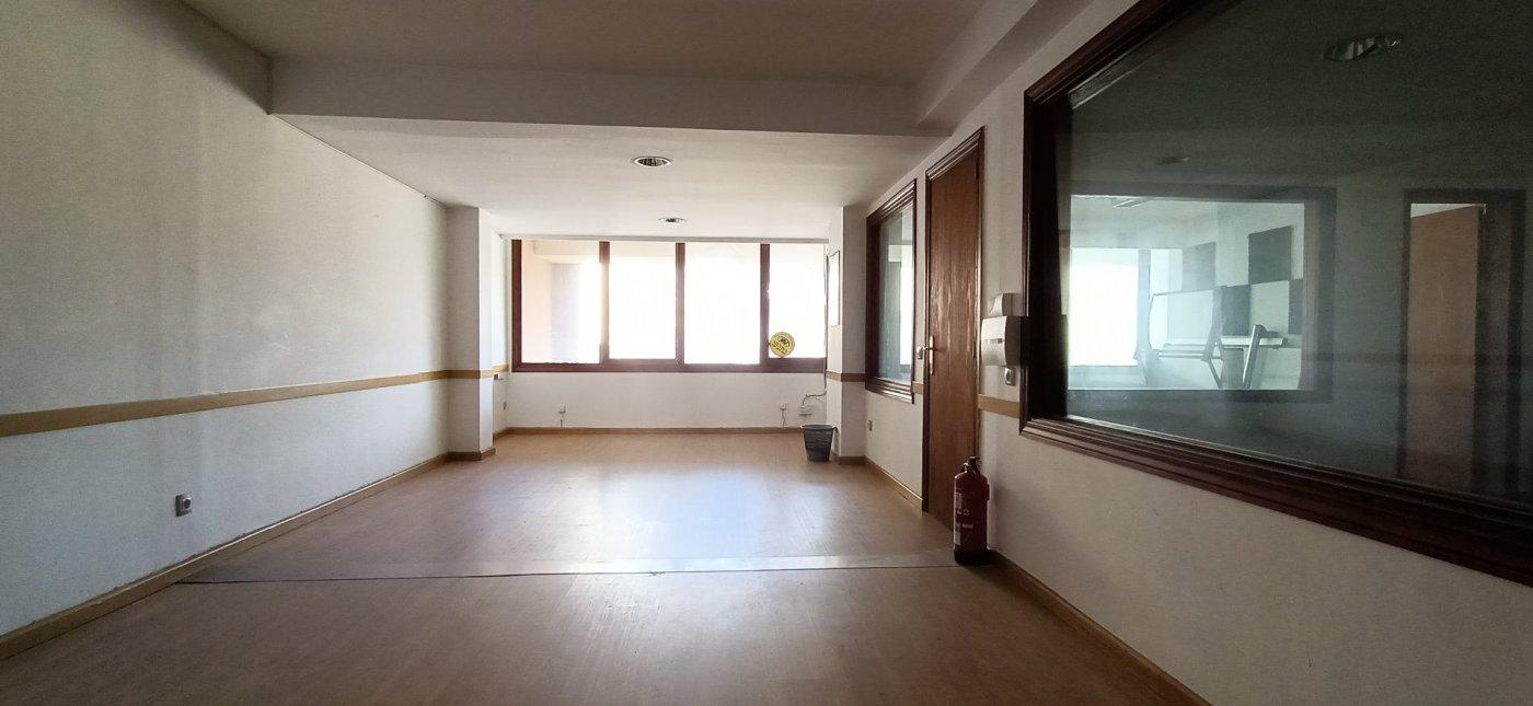 Büro  Inca ,avenida reyes católicos. Oficina de 133 m² de superfície en la zona de avenida reyes cató