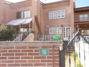 Venta Vivienda Casa adosada carmen conde, 16