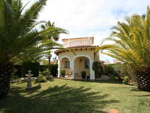 Houses to buy at Oliva