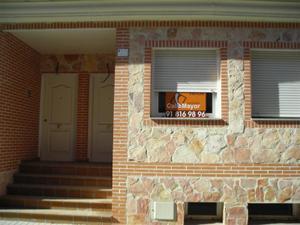 Casa adosada en Alquiler en Resto Poblaciones A4 - Casarrubuelos / Casarrubuelos