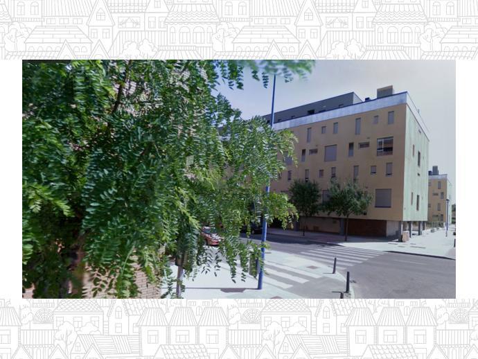 Foto 1 de Local comercial en  Santa María De La Cabeza, 16 / Pajarillos Altos, Valladolid Capital