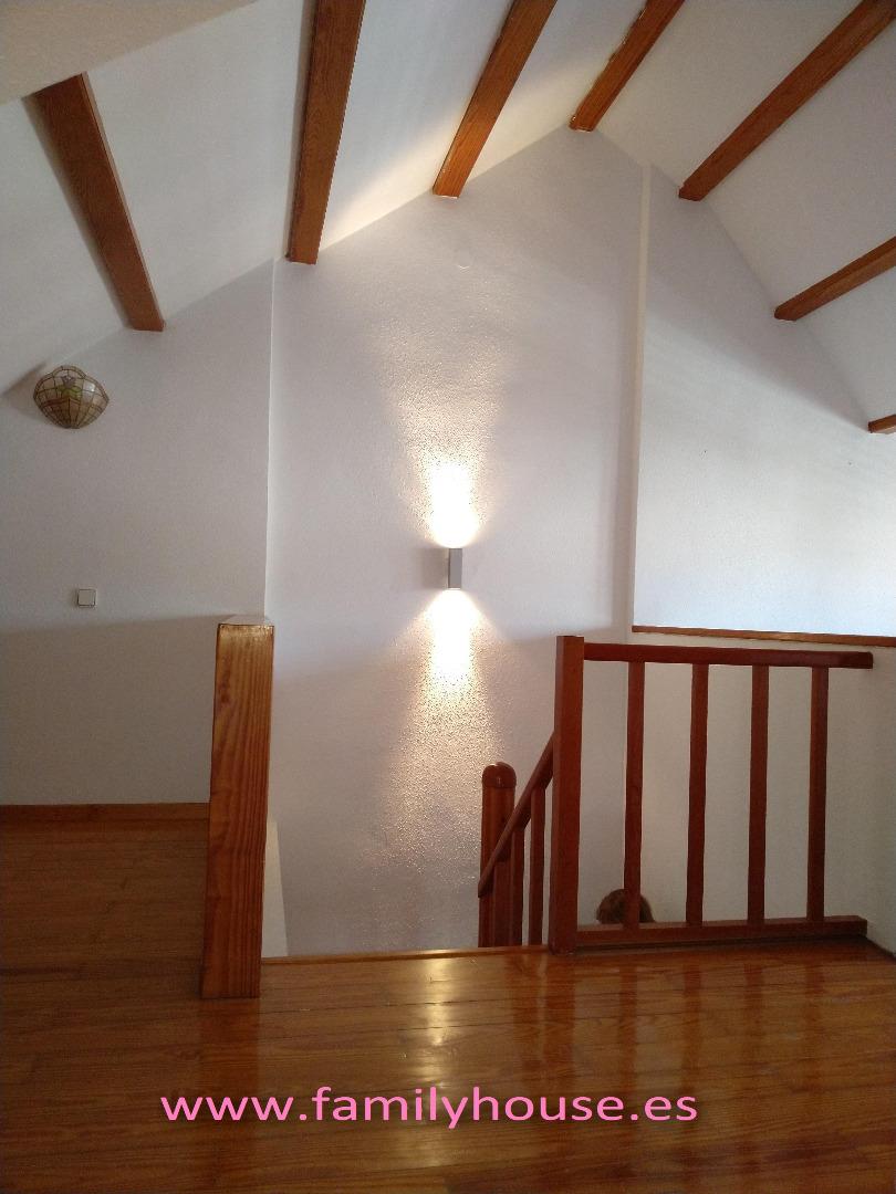 Alquiler Casa  Casa adosada en oportunidad, piscina, terraza, jardin, garaje, z