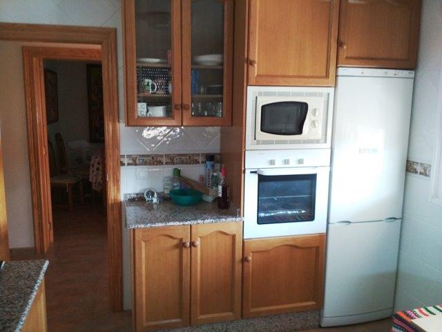 Casa  Urbanización la foya. Chalet en venta: parcela de 801 m2, con cocina exterior y almacé