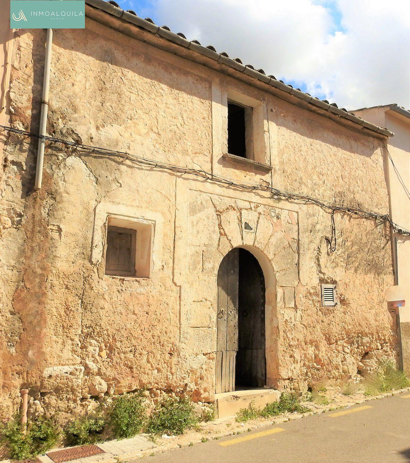 Urban plot  Sineu ,sineu. Casa mallorquina a reformar. 145.000€