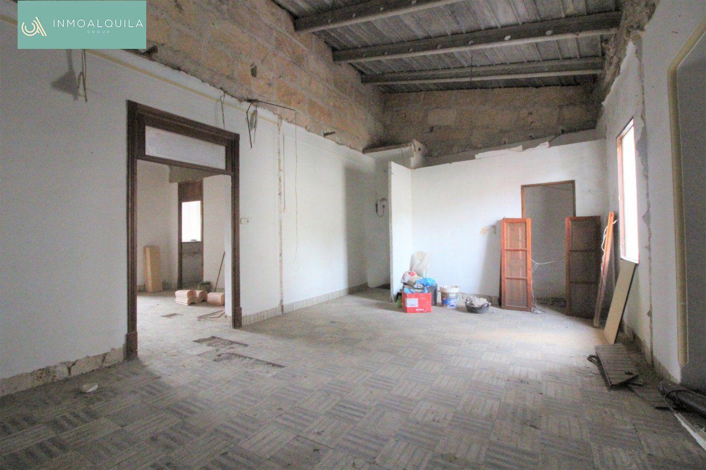 Pis  Lloseta ,lloseta. Primer piso techo libre en lloseta para reformar de 124 m2
