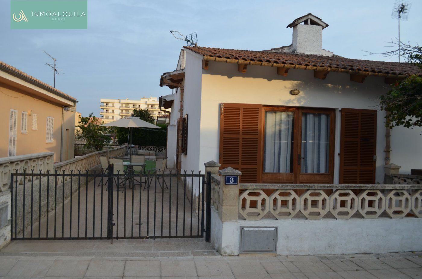 Alquiler Casa  Alcúdia ,puerto de alcúdia. Adosado en puerto de alcudia. 3hab, 2baños, jardin, terraza. 900