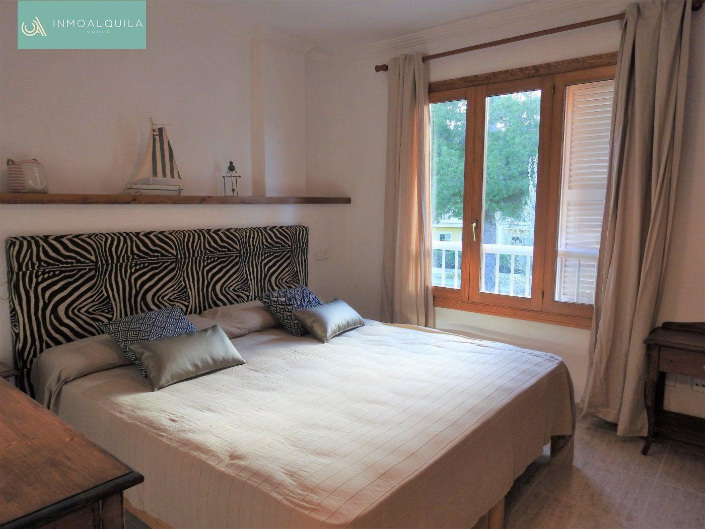 Rent House  Can picafort ,santa eulalia. Espectacular adosado en can picafort. 90m2, 3hab, 3baños, jardin