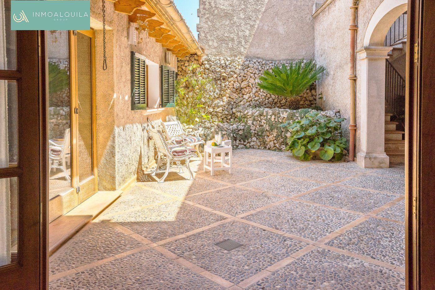 Casa  Petra ,petra. Casa de pueblo reformada en petra. lic.turística.350 m2 constr.5