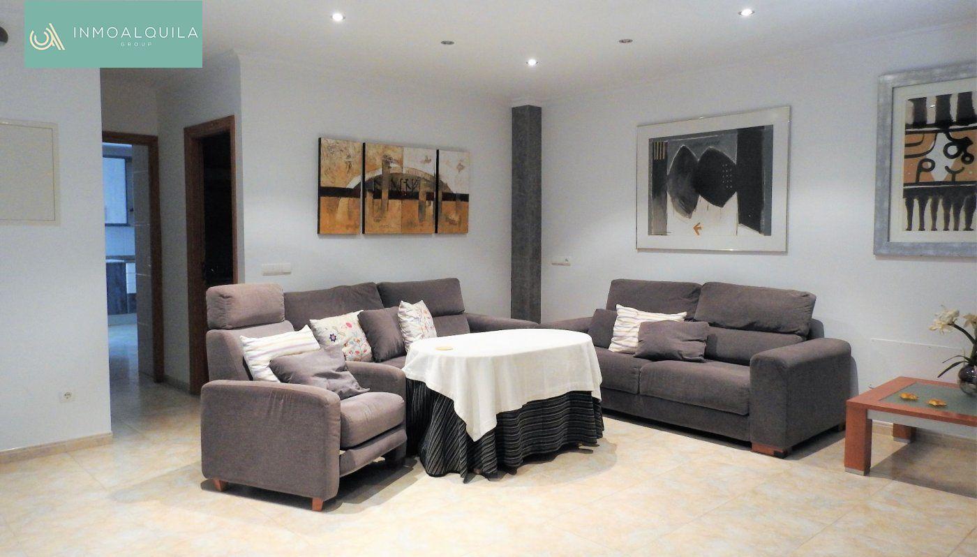 Alquiler Piso  Muro ,muro. Se alquila piso duplex en muro, 2hab, 2baños. 700€/mes