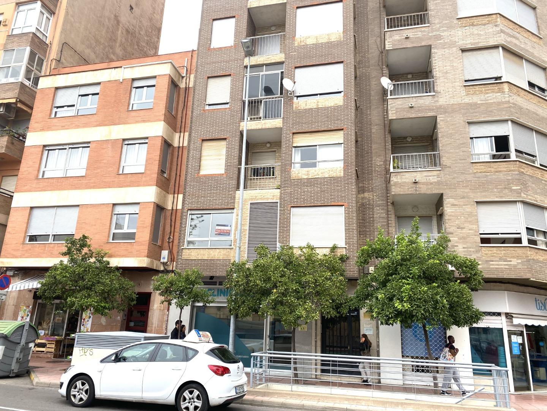 Affitto Locale commerciale  Avenida del mar, 11. Entresuelo para negocio en avenida  del mar junto a calle gobern