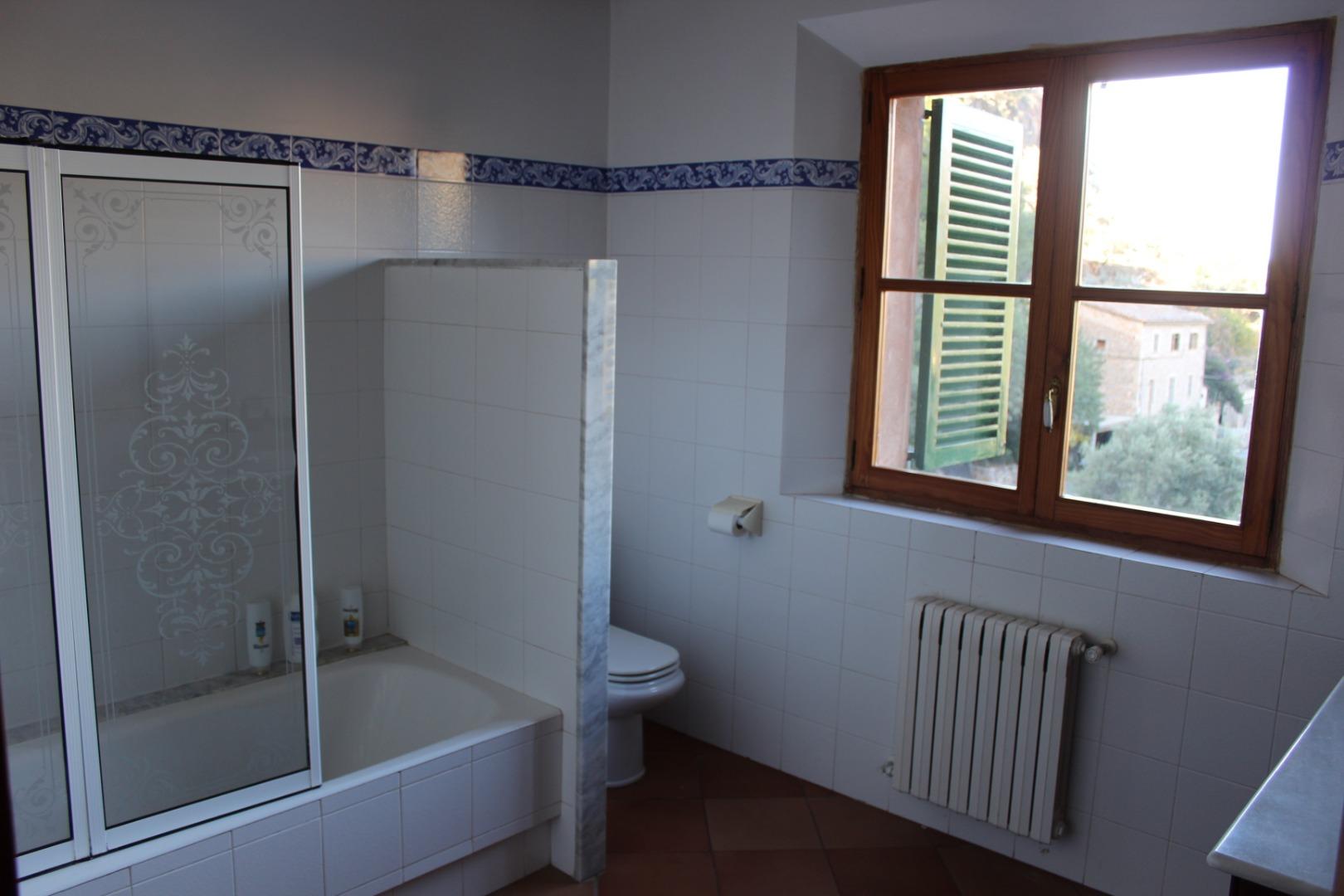 Maison  Carrer archiduque luis salvador. Excelente casa de 270 m2 en solar de 1.500 m2. 1.150.000 €