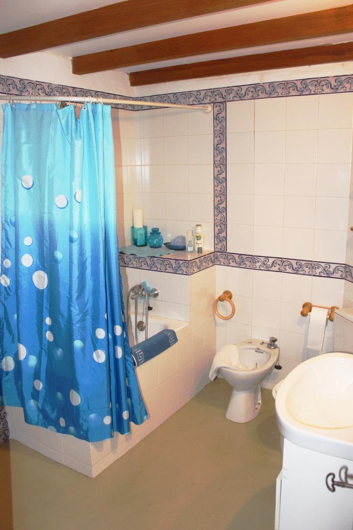 Casa  Carrer archiduque luis salvador. Casa de 270 m2 700.000 €. también restaurante + vivienda u hotel