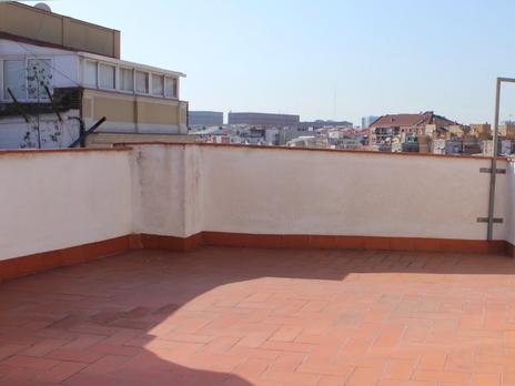 Plantas intermedias en venta con terraza en Barcelona Capital