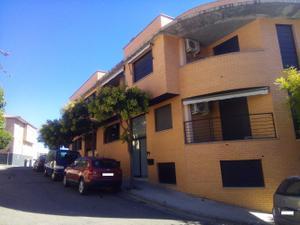 Casa adosada en Venta en Fernando el Catolico / Zuera