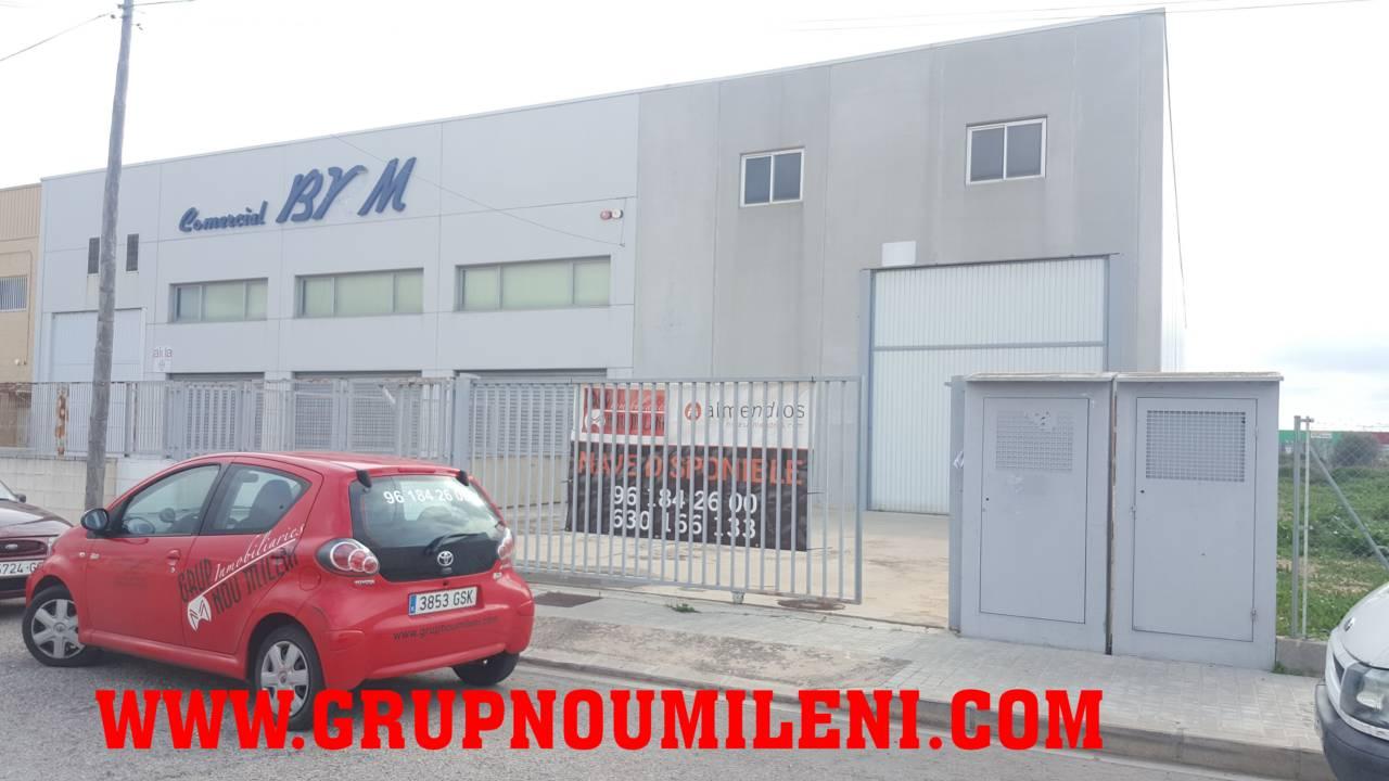 Nau industrial  Para entrar. Superf. 600 m², 750 m² solar,  1 , asfaltado, alumbrado, estado