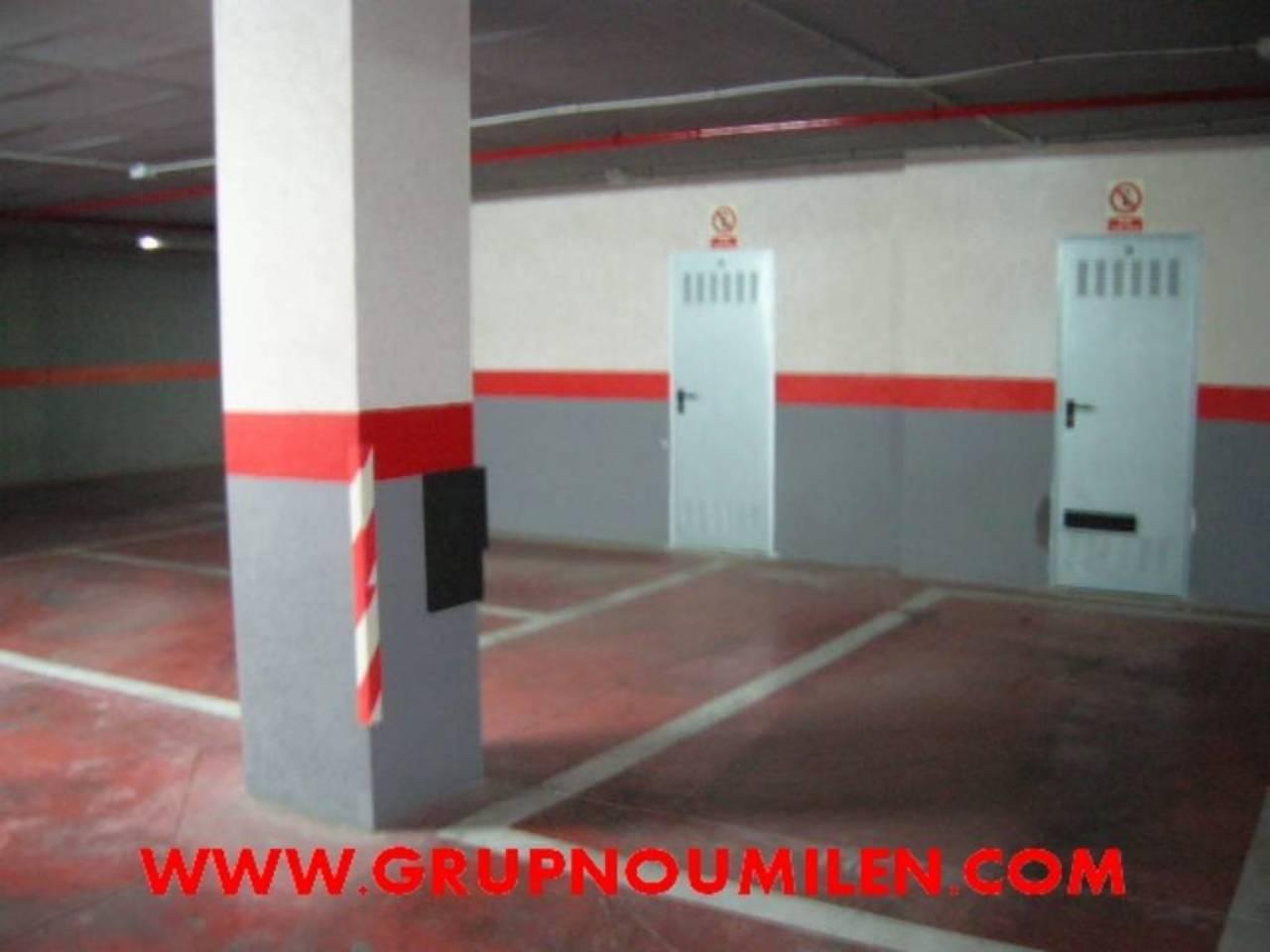 Lloguer Aparcament cotxe  Parc central. Superf. 15 m², 15 plazas, ascensor, varia disponibles.