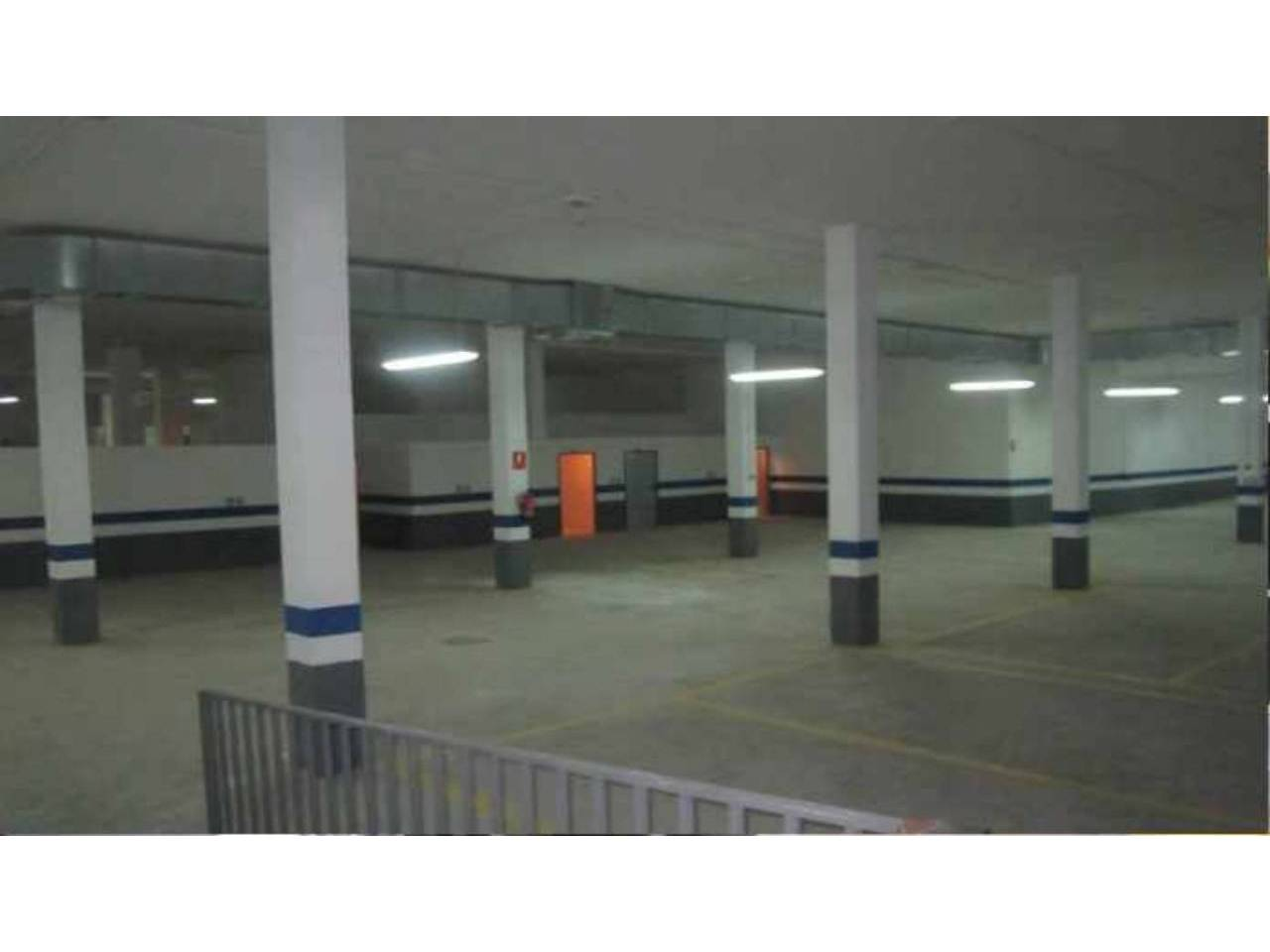Parking voiture  Horteta. Superf. 20 m², 1 plazas.