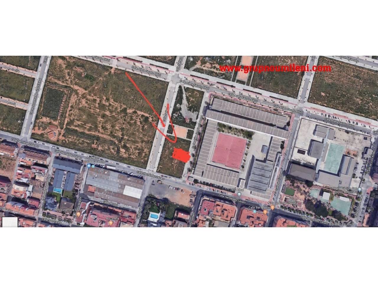 Solar urbà  Urbanizable. 120 m²,  120 m² solar, asfaltado, edificaciones 3 plantas, cali