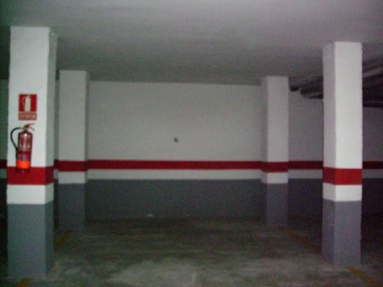 Aparcament cotxe  Garaje  de banco. Superf. 10 m², 1 plazas, ascensor, garajes  de banco sin comisio
