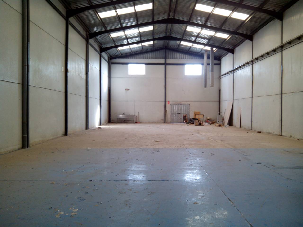 Alquiler Nave industrial en Beniparrell. Superf. 417 m², 417.75 m² solar,  1 aseo, oficina (1 despacho),