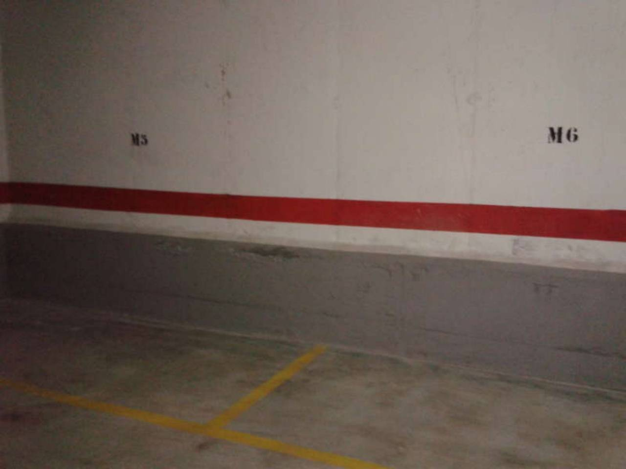 Lloguer Aparcament cotxe  Florida. Superf. 26 m², 1 plazas, subterráneo, ascensor, acceso independi