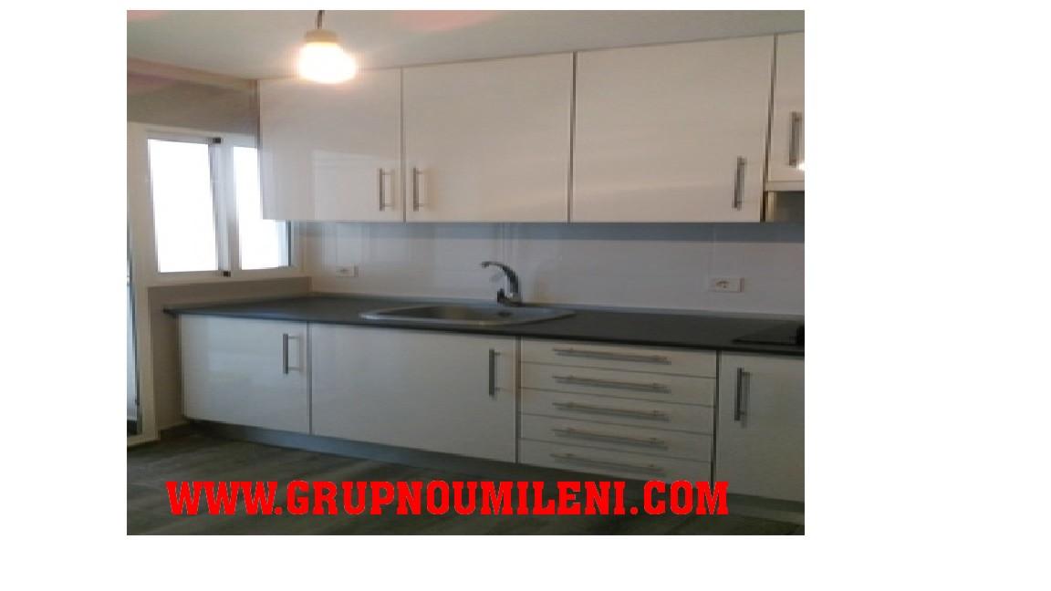 Lloguer Pis a Catarroja. Superf. 130 m²,  3 habitaciones (1 doble,  2 individuales),  2 b