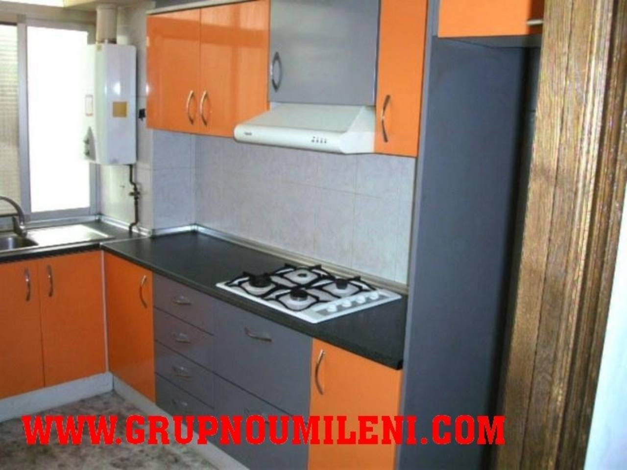 Piso  Sin comisiones. Superf. 112 m²,  3 habitaciones (1 doble,  2 individuales),  2 b