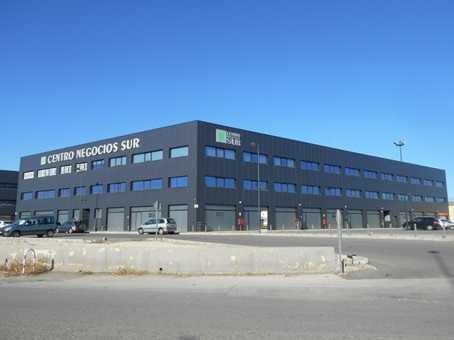 Alquiler Local Comercial en Silla. Superf. 152 m², 152 m² solar, accesibilidad, aislantes, tipo de