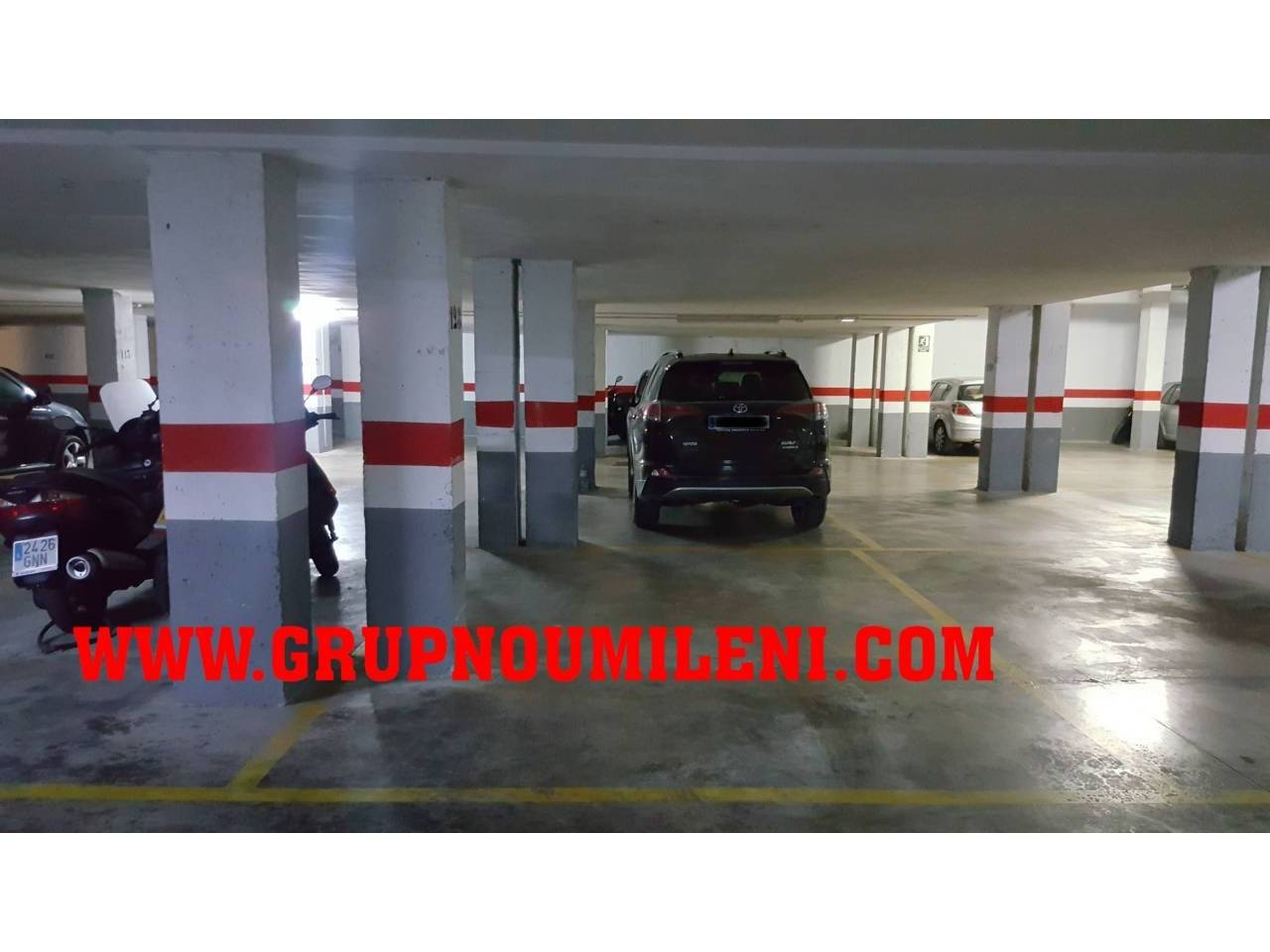 Rent Car parking in Catarroja. Superf. 6 m², 1 plazas, subterráneo, columnas laterales, traster