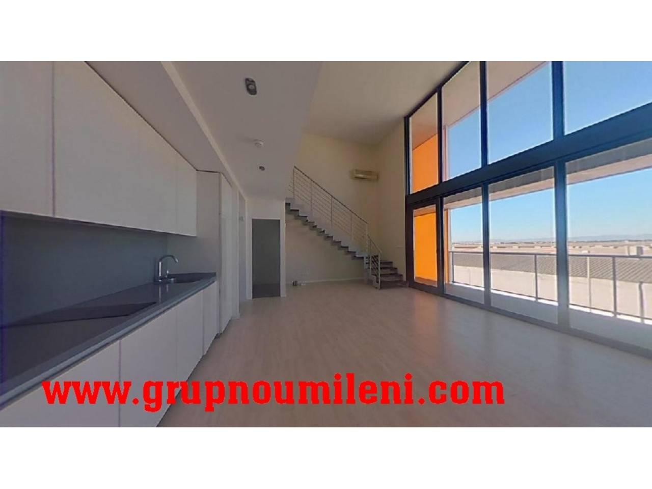 Alquiler Piso  Alameda parc. Altura piso 2º, loft superficie total 93 m², superficie útil 70
