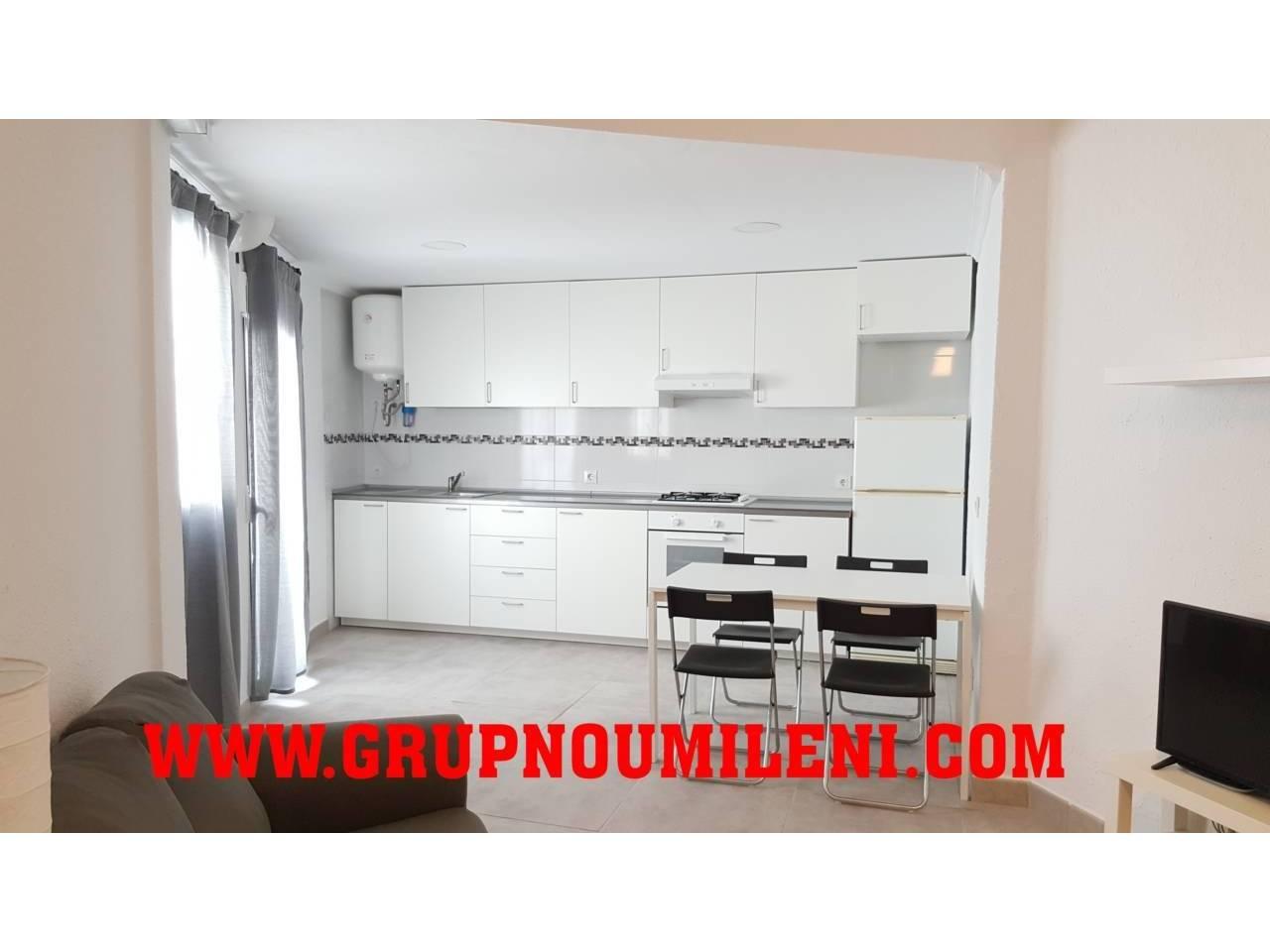 Lloguer Pis  Catarroja. Superf. 70 m²,  3 habitaciones (2 dobles,  1 individual),  1 bañ