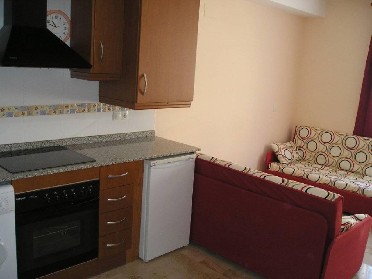 Lloguer Pis  Junto ayuntamiento. Superf. 43 m²,  1 habitación doble,  1 baño, cocina (equipada),