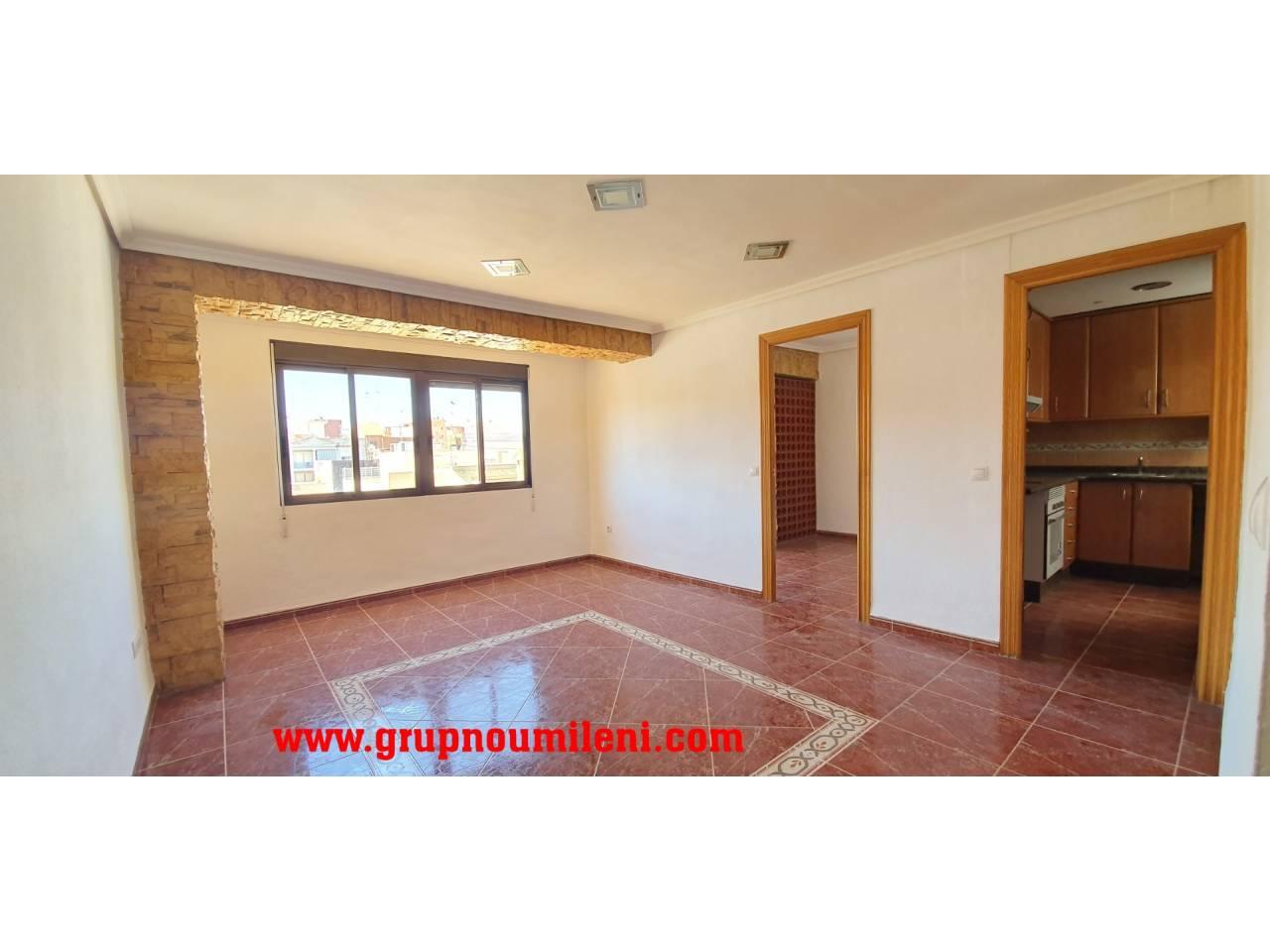 Alquiler Piso  Centre-la canaleta. Altura piso 5º, piso superficie total 66 m², superficie útil 60