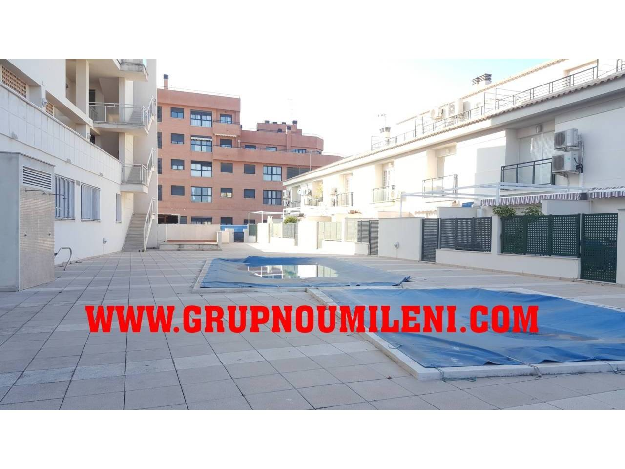 Location Appartement  Sin comisiones. Superf. 125 m²,  3 habitaciones (1 doble,  2 individuales),  2 b