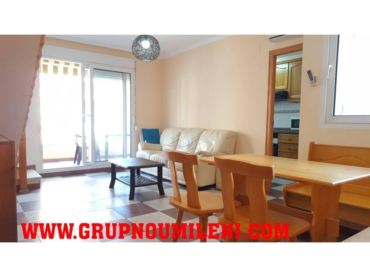 Location Appartement  Sueca. Superf. 100 m²,  3 habitaciones (2 dobles,  1 individual),  2 ba