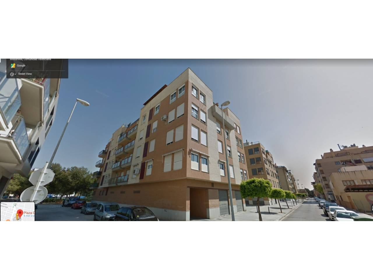 Parking voiture  Divendres. Superf. 24 m², plaza, ascensor.