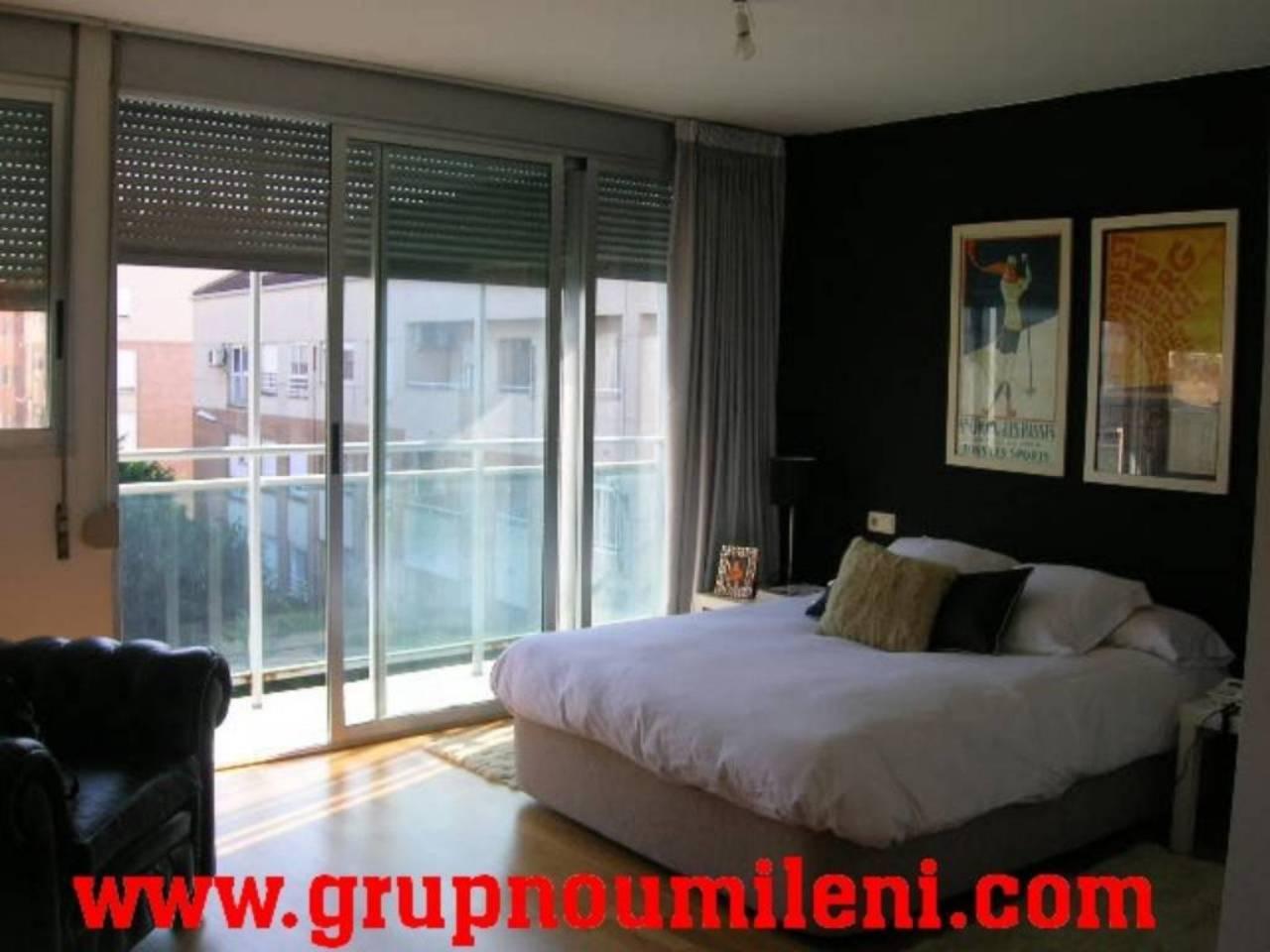 Lloguer Pis  Piscina cubierta. Altura piso 3º, piso superficie total 82 m², superficie útil 82