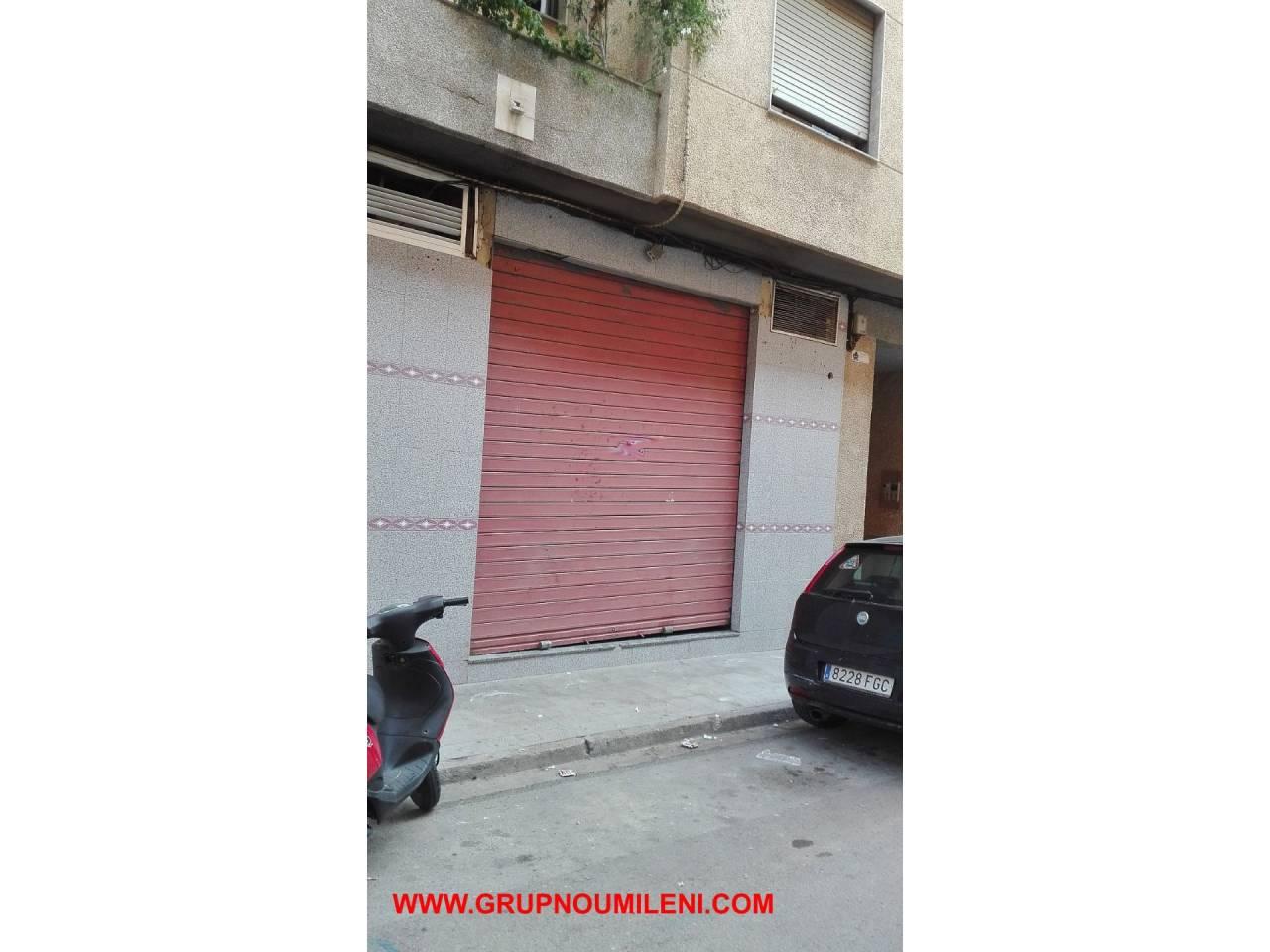 Local commercial  Calle concepcion arenal. Superficie total 115 m², local superficie útil 106 m², estado co