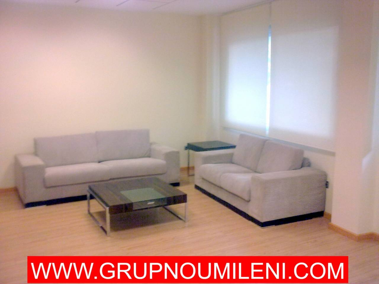 Alquiler Oficina  Calle calle cristóbal colón. Altura piso 1º, oficina superficie total 150 m², superficie útil