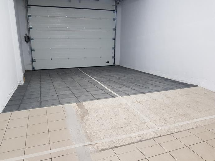Foto 1 de Garaje en venta en Salesas - Labradores, Salamanca